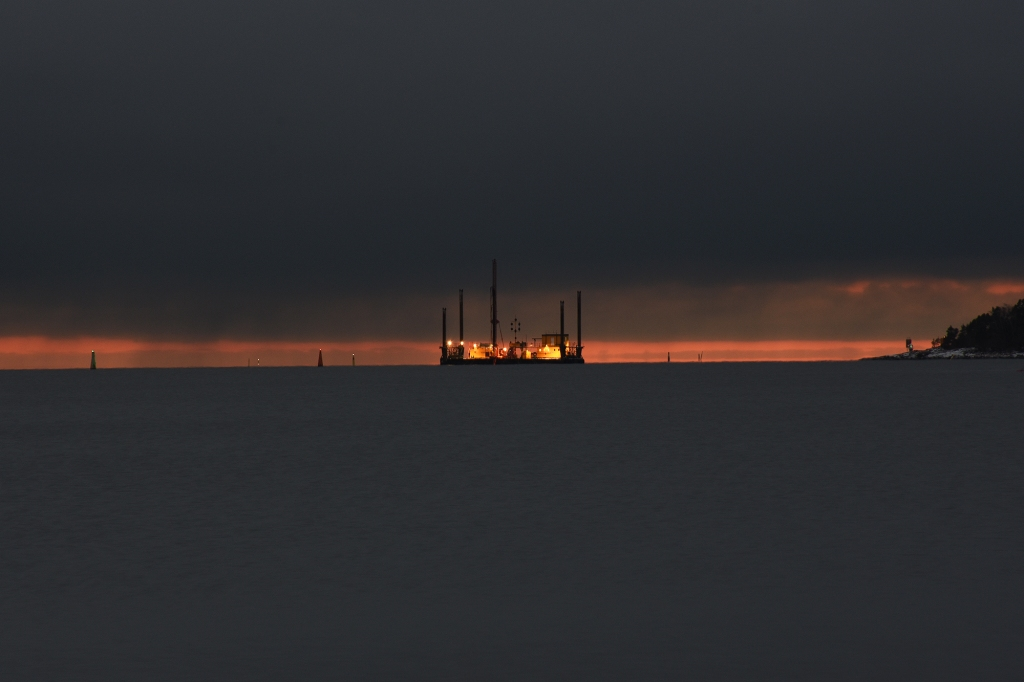 Meren ruoppausta Pihlajasaaren edessä