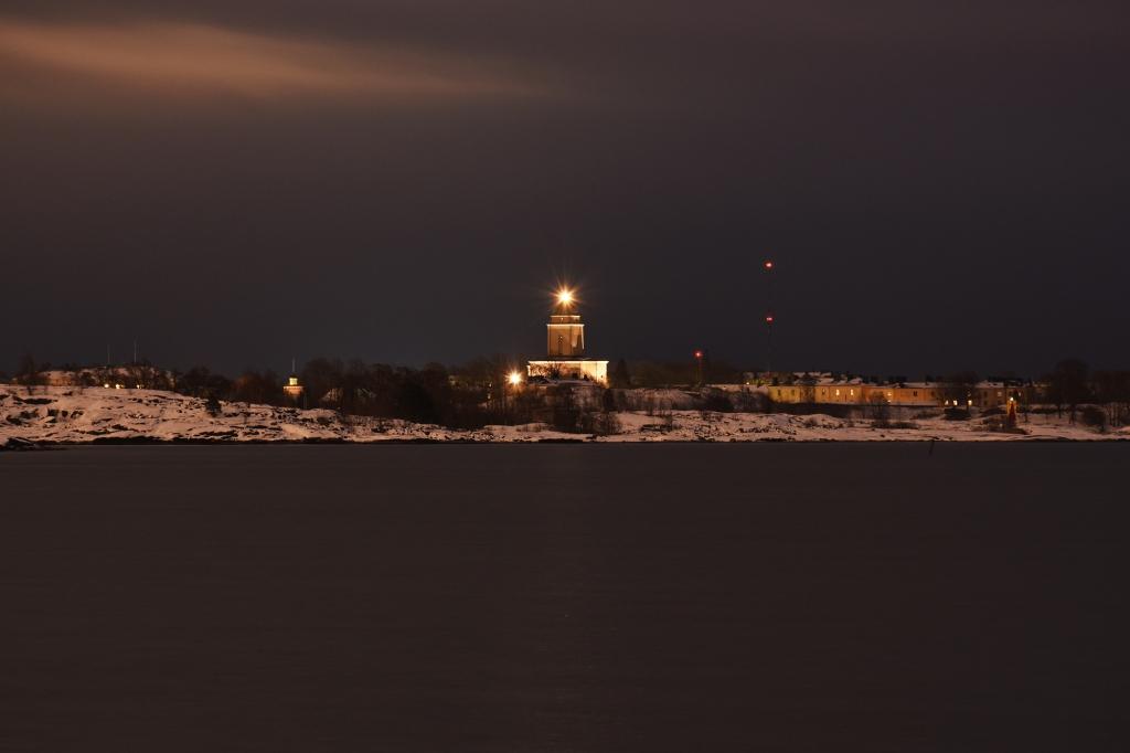 Suomenlinnan kirkon valot
