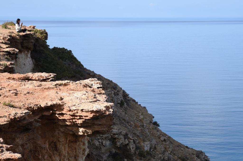 Teräväreunaisia kallioita Maltalla