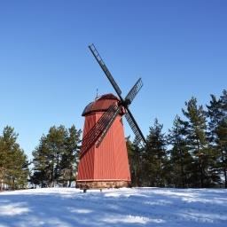 Kukkukivi, vanha mylly ja muita nähtävyyksiä Loviisassa