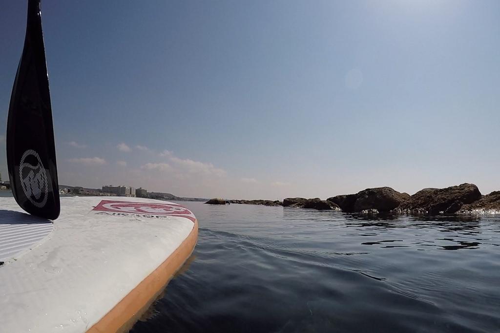 Suppailu vedenrajassa Kyproksella