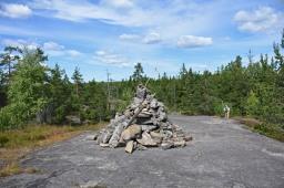 Sipoonkorven kansallispuiston hiidenkirnut ja Bisajärvi