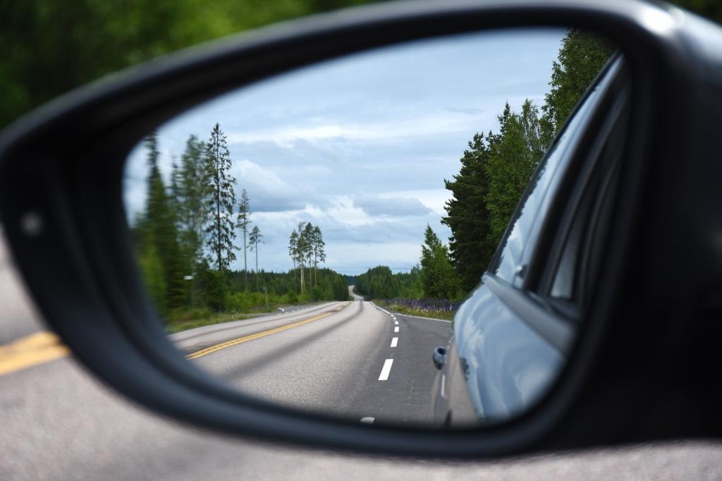 Tie auton peilistä