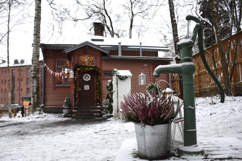 Finlaysonin tallipiha tallimiehen talo