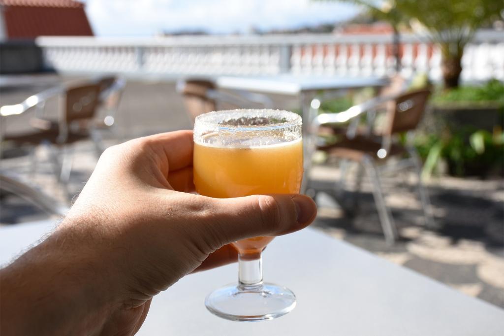 Lasillinen ponchaa Madeiralla