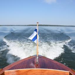 Kesäinen veneretki Svartholman merilinnoitukseen