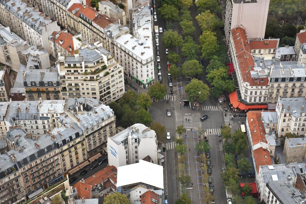 Pariisin kattojen yllä
