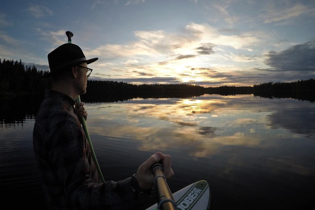 SUP-selfie auringonlaskussa