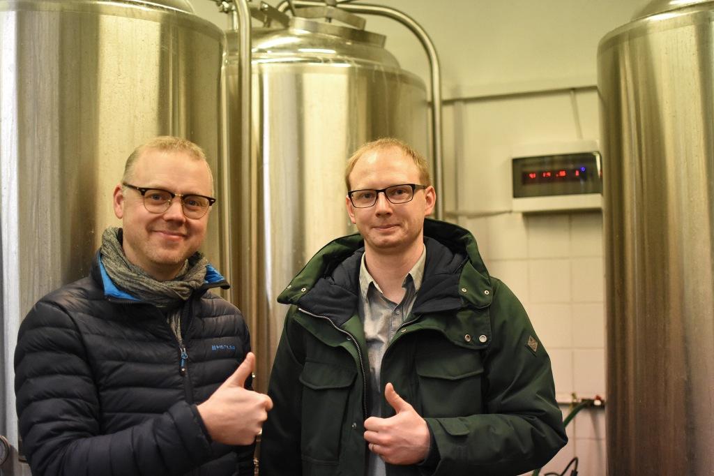 Antti ja Alar nanoPruul-panimolla