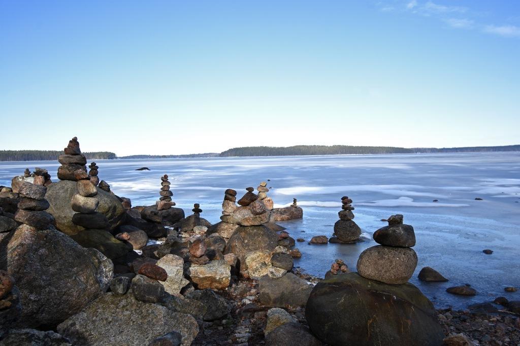 Pinottuja kiviä Tiuruniemi