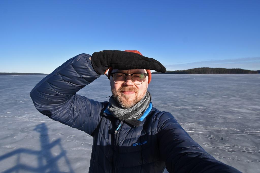 Selfie Saimaan rannalla