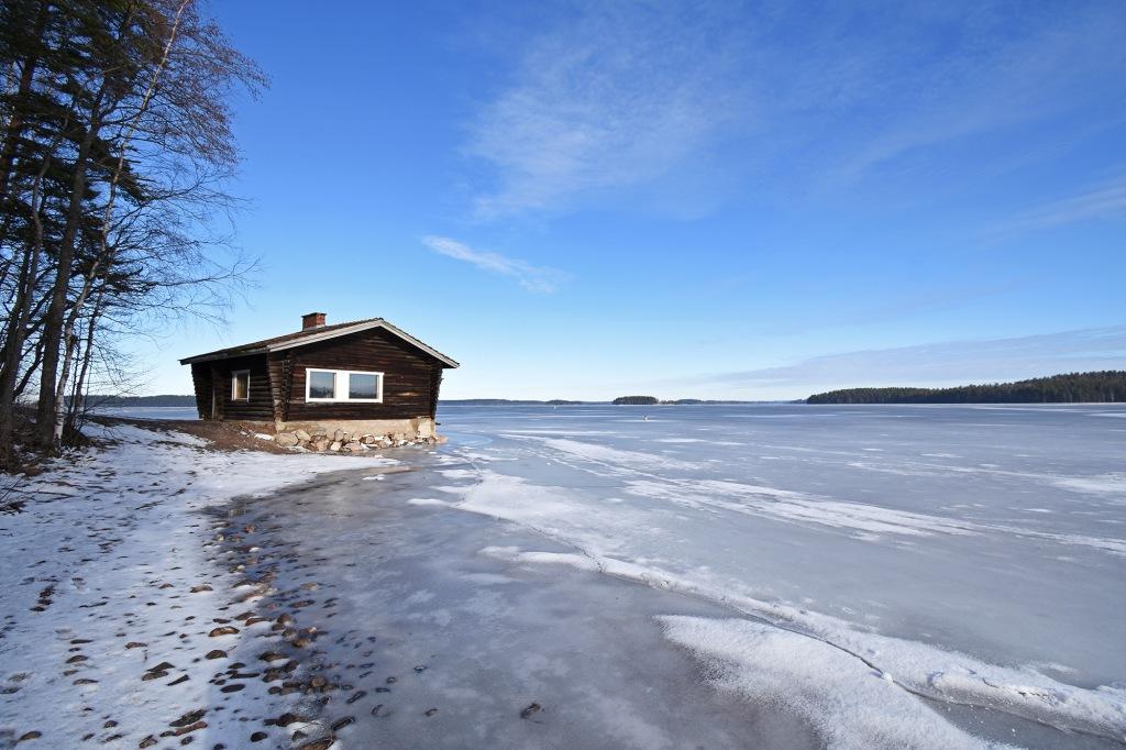 Rantasauna Tiuruniemen rannalla