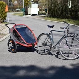 Pyöräretkille taaperon kanssa: pyöräkärryn hankinta