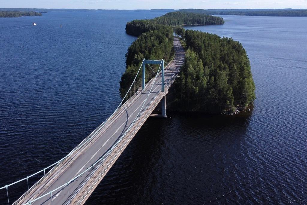 Ilmakuva Karisalmen sillasta