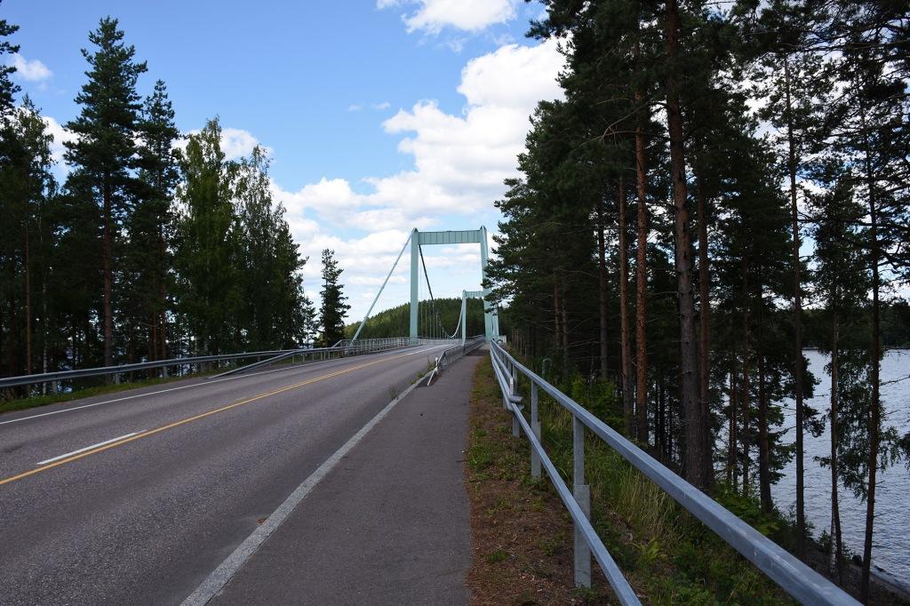 Tie Karisalmen sillalle