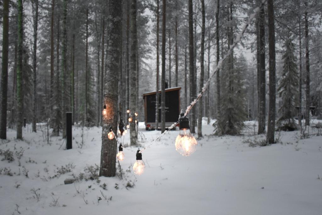 Nova Skyland Hotel traileri ja valot