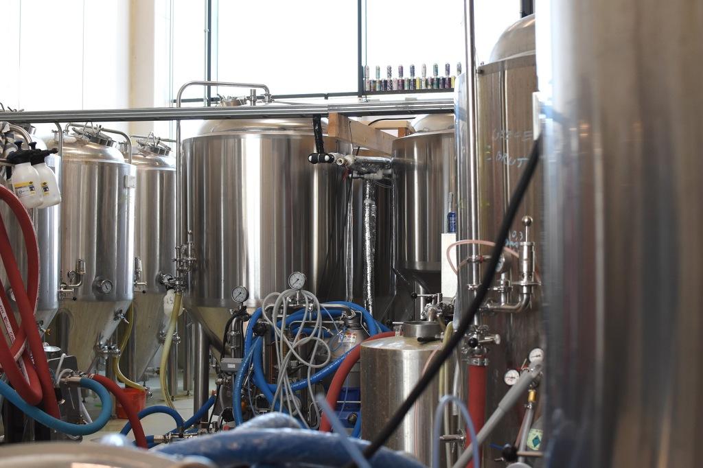Tankit tiiviisti pakattuna - Salama Brewing co.