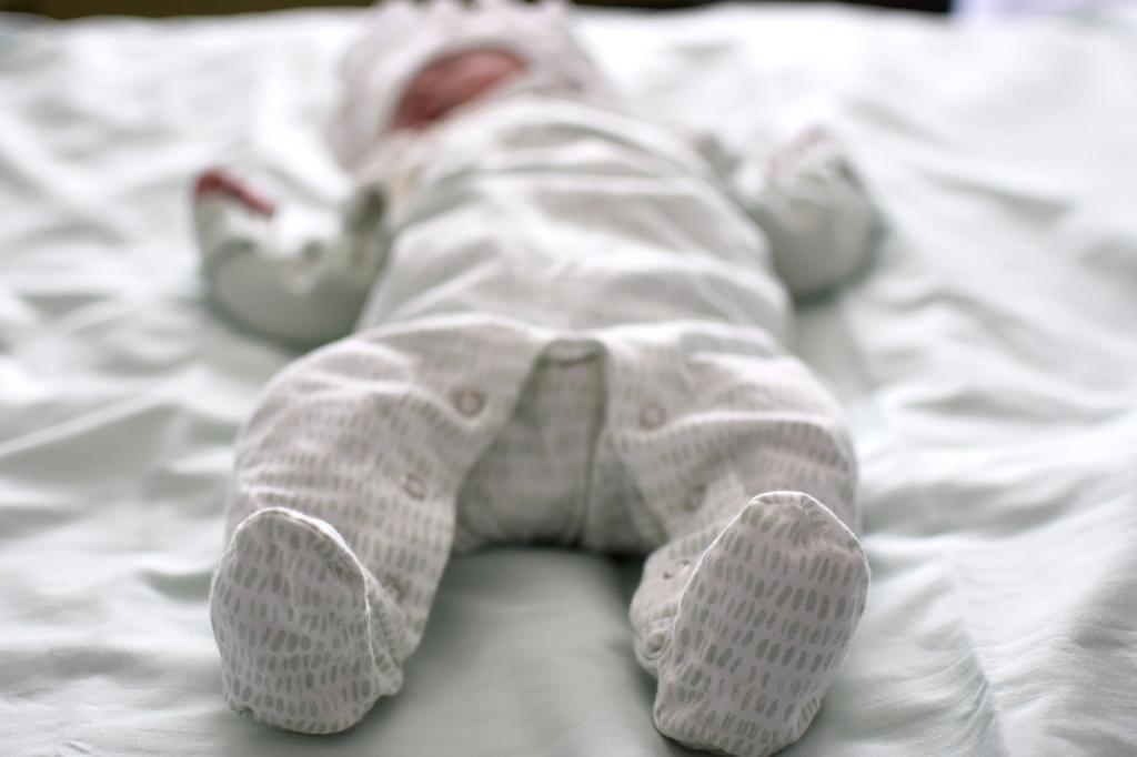 Vauva Kastén valmiin kotiutumaan sairaalasta